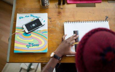 Das sind die Pro und Contra Aspekte digitaler Medien im Unterricht